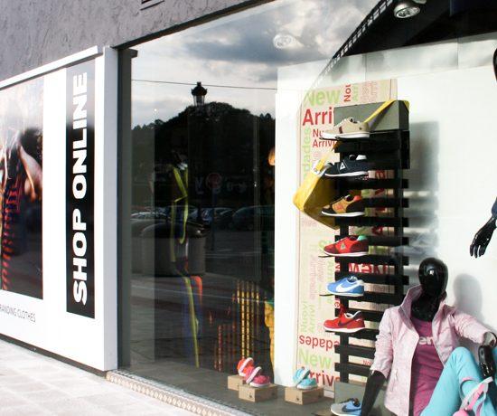 reforma de locales comerciales galicia adc espacios