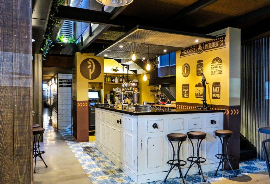 interior restaurante saniago