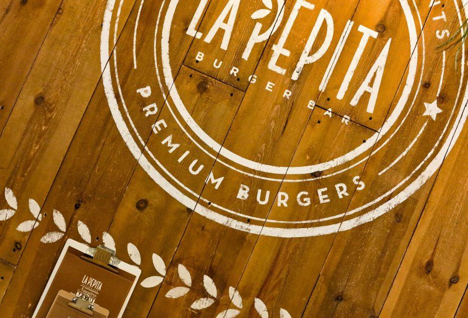 la-pepita-burger-bar-diseno-de-marca